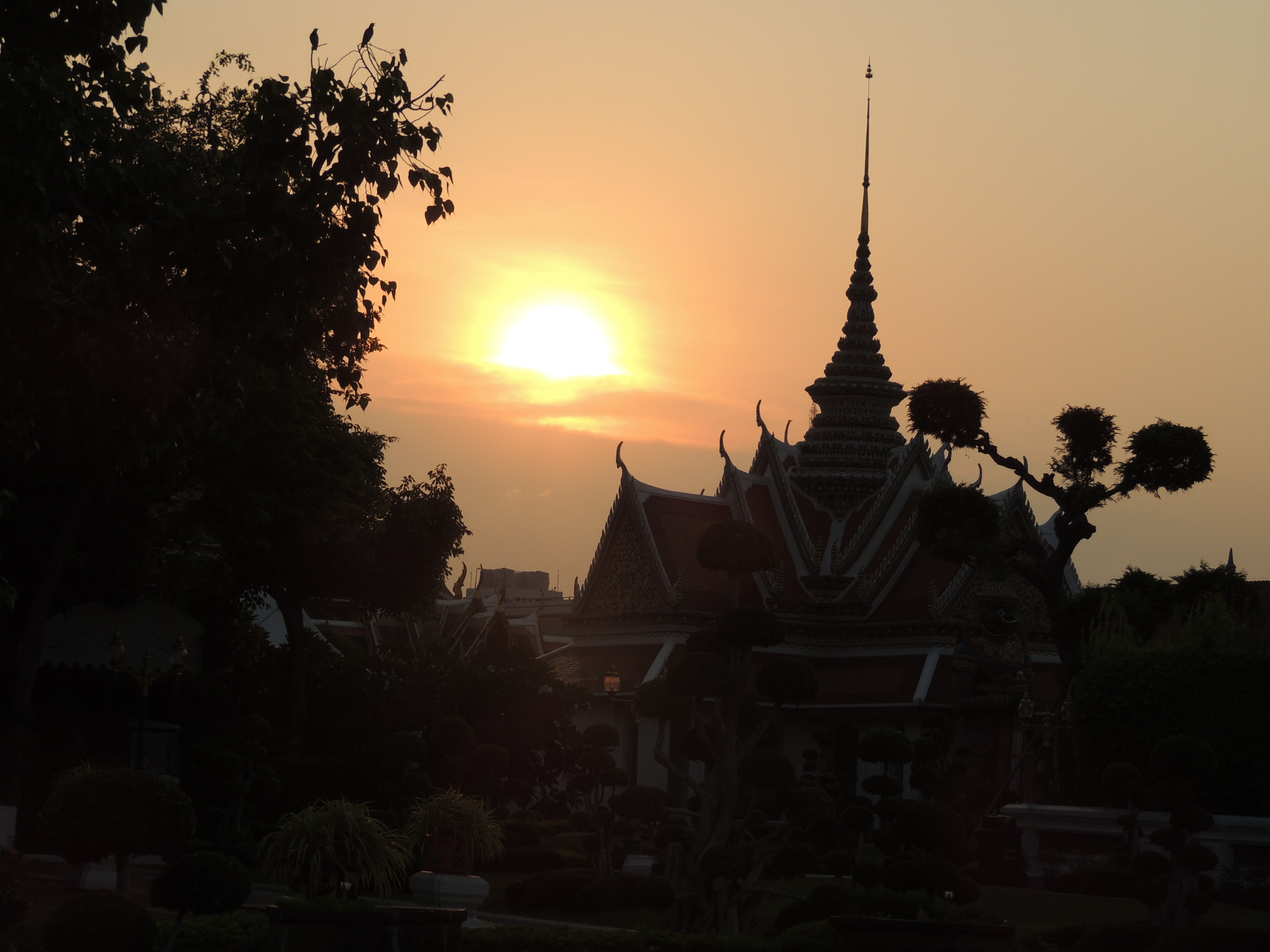 por do sol wat arun.jpg